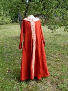 Urozená žena, raný středověk.