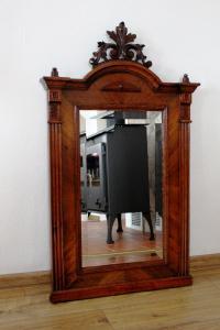 Zrcadlo.